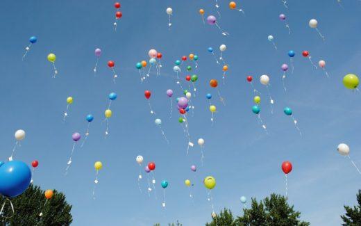 Med billig helium behøver du ikke at bruge flere timer på at puste balloner op