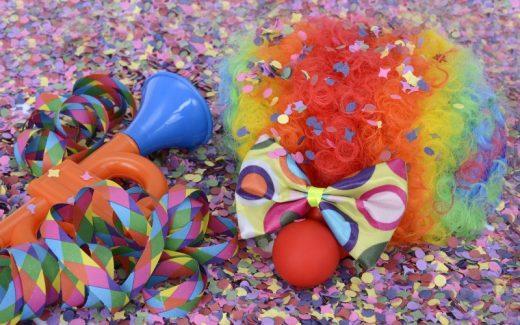 Få sjov til fødselsdagen, festugen og mange andre arrengementer med trylleri og balloner