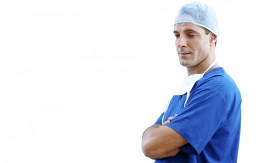 Find arbejdstøj til klinik og hospital på Praxiswear.com/da